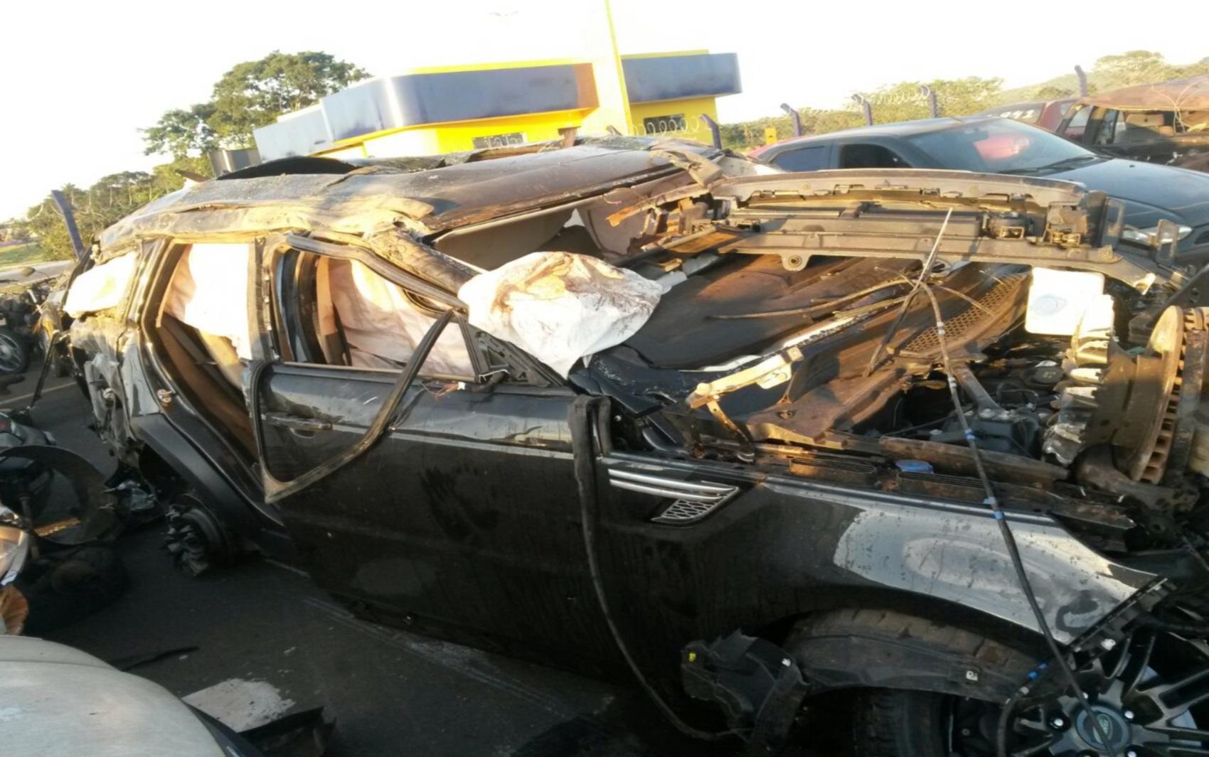 Cristiano Araújo e namorada sofrem acidente de carro na BR-153