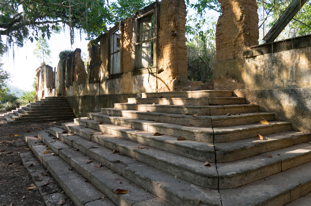 Parque das Ruínas da Fazenda São José dos Pinheiros, em Pinheiral