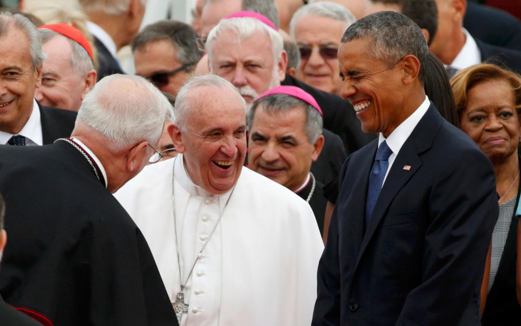 Papa chega aos EUA e é recebido por Obama. Francisco faz sua 1ª visita ao país após ir a Cuba, onde esteve com os irmãos Raúl e Fidel Castro