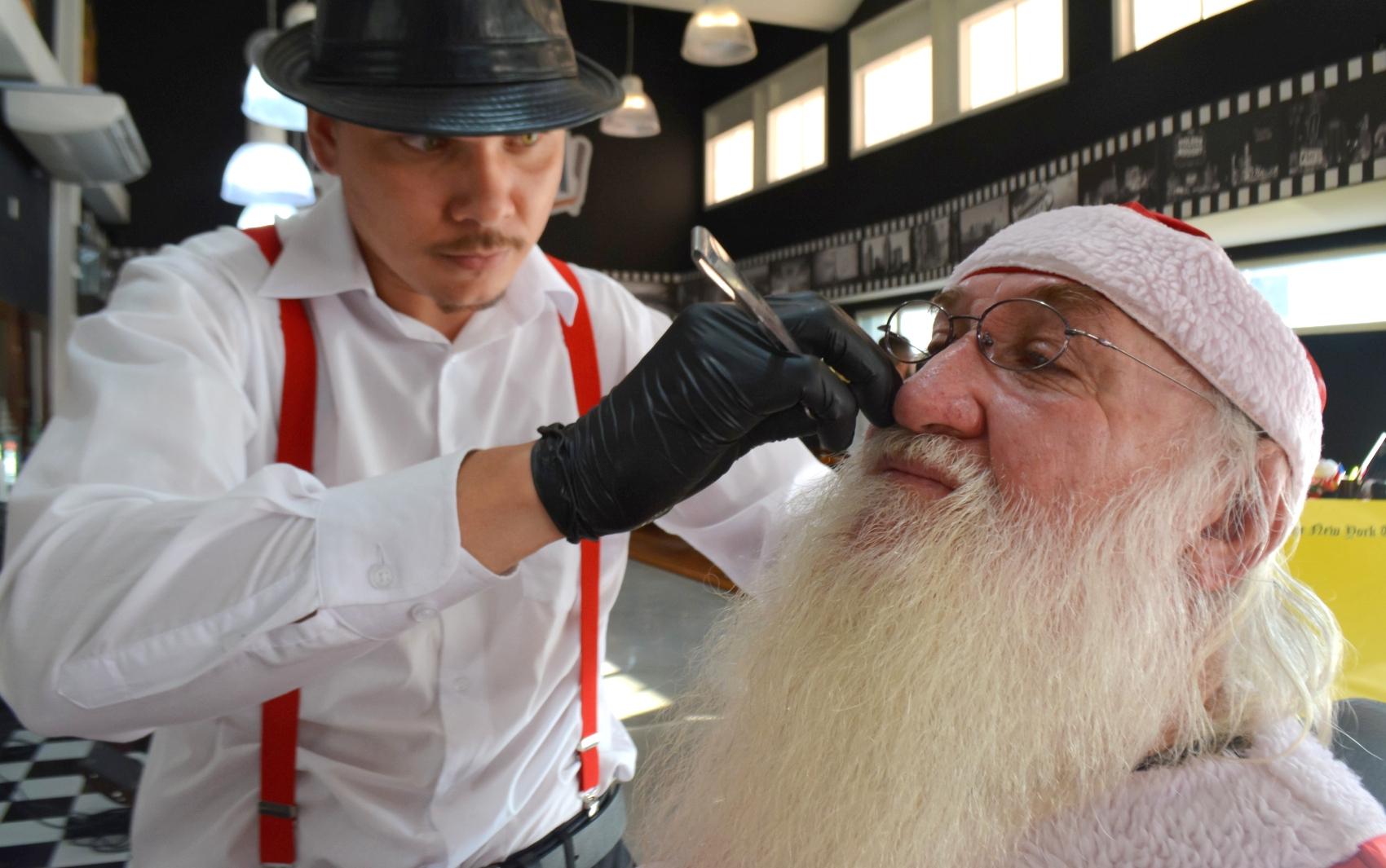 Moacir Agesse trabalha como Papai Noel há 27 anos, na região de Campinas