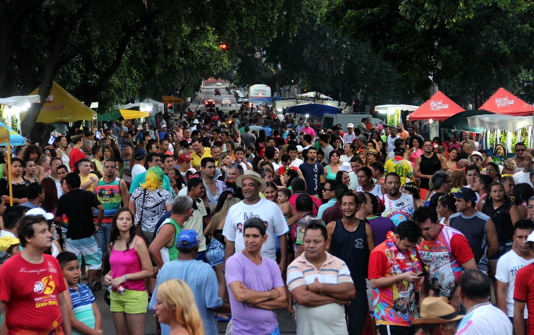 'Banda do 5 Estrelas' reuniu centenas de foliões