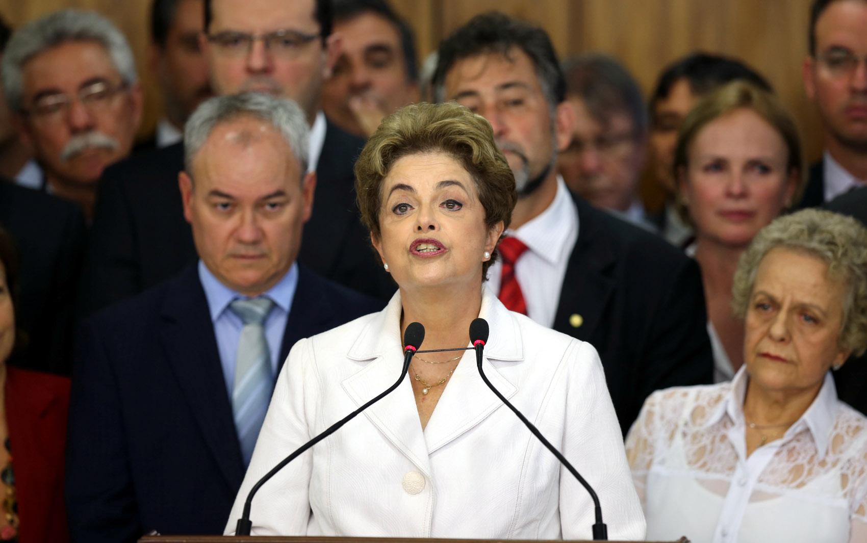 A presidente afastada Dilma Rousseff faz um pronunciamento no Palácio do Planalto, em Brasília, após ser notificada de seu afastamento pelo Senado por até 180 dias