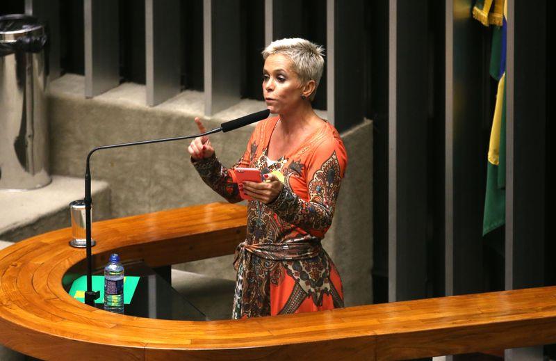 Deputada Cristiane Brasil durante discurso no plenário da Câmara