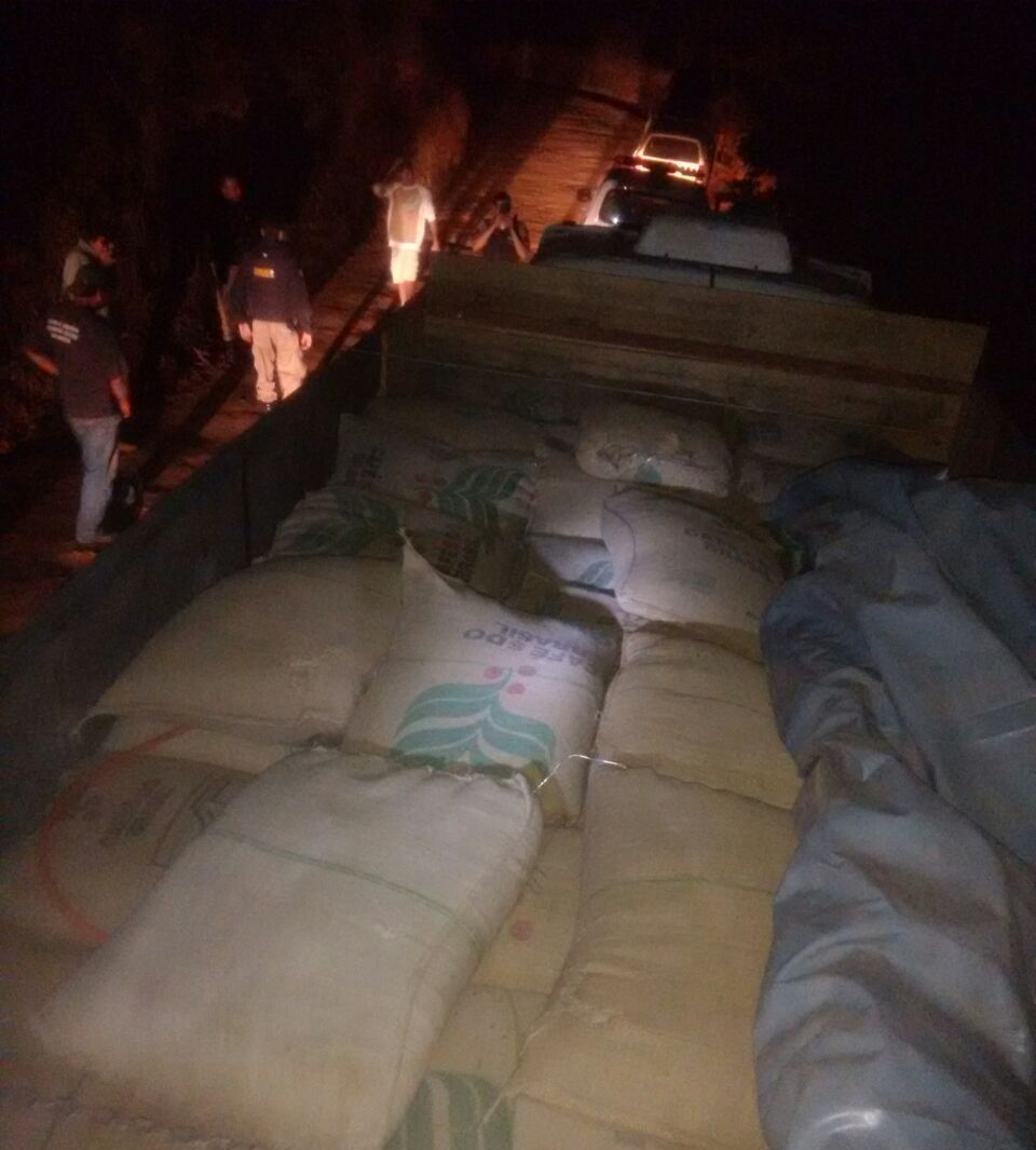 Dois roubos a sacas de café são registrados no Sul de MG