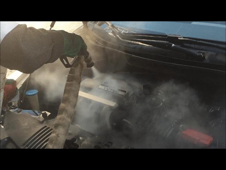 Como lavar o motor do carro