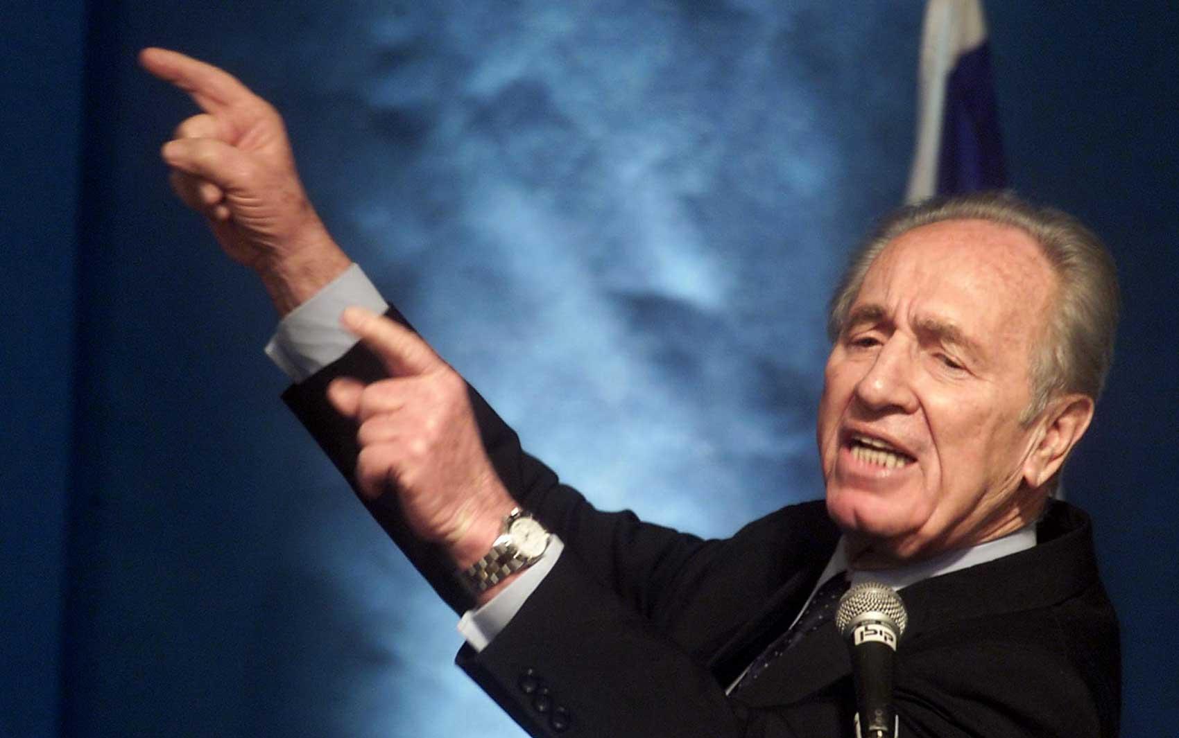 Shimon Peres, em imagem de fevereiro de 2001