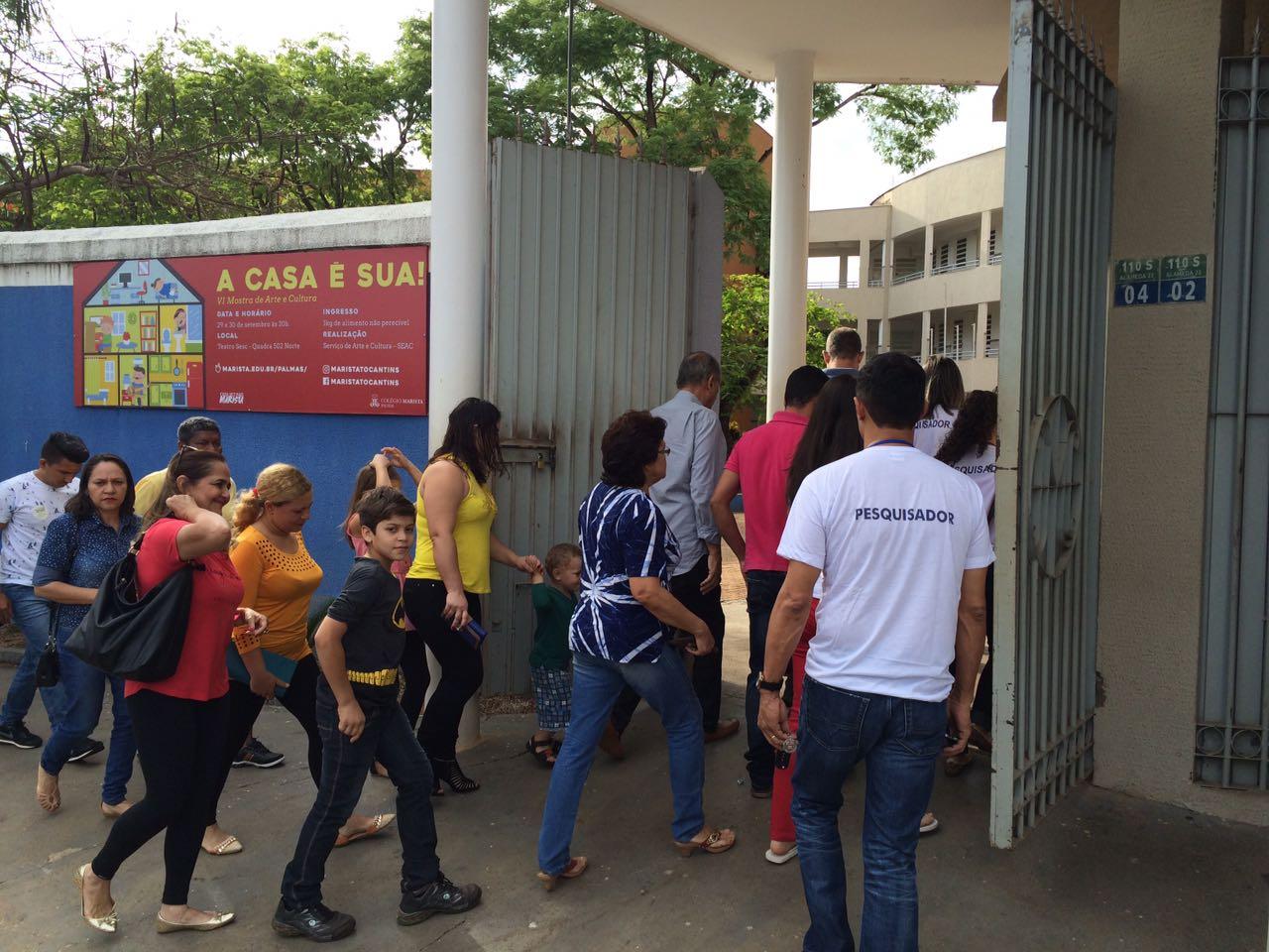 Os portões abertos no colégio Marista, em Palmas
