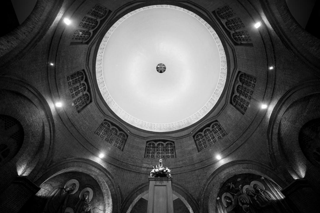Fotógrafo Jean Chad destacou imagem da Santa no altar central do Santuário.