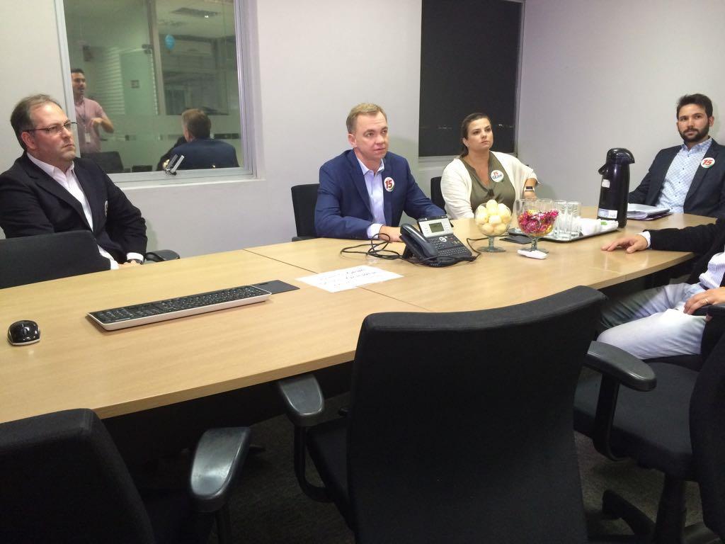 Sala De Debate Tv Futura ~ FOTOS candidatos participam de debates em 3 cidades de SC  fotos em