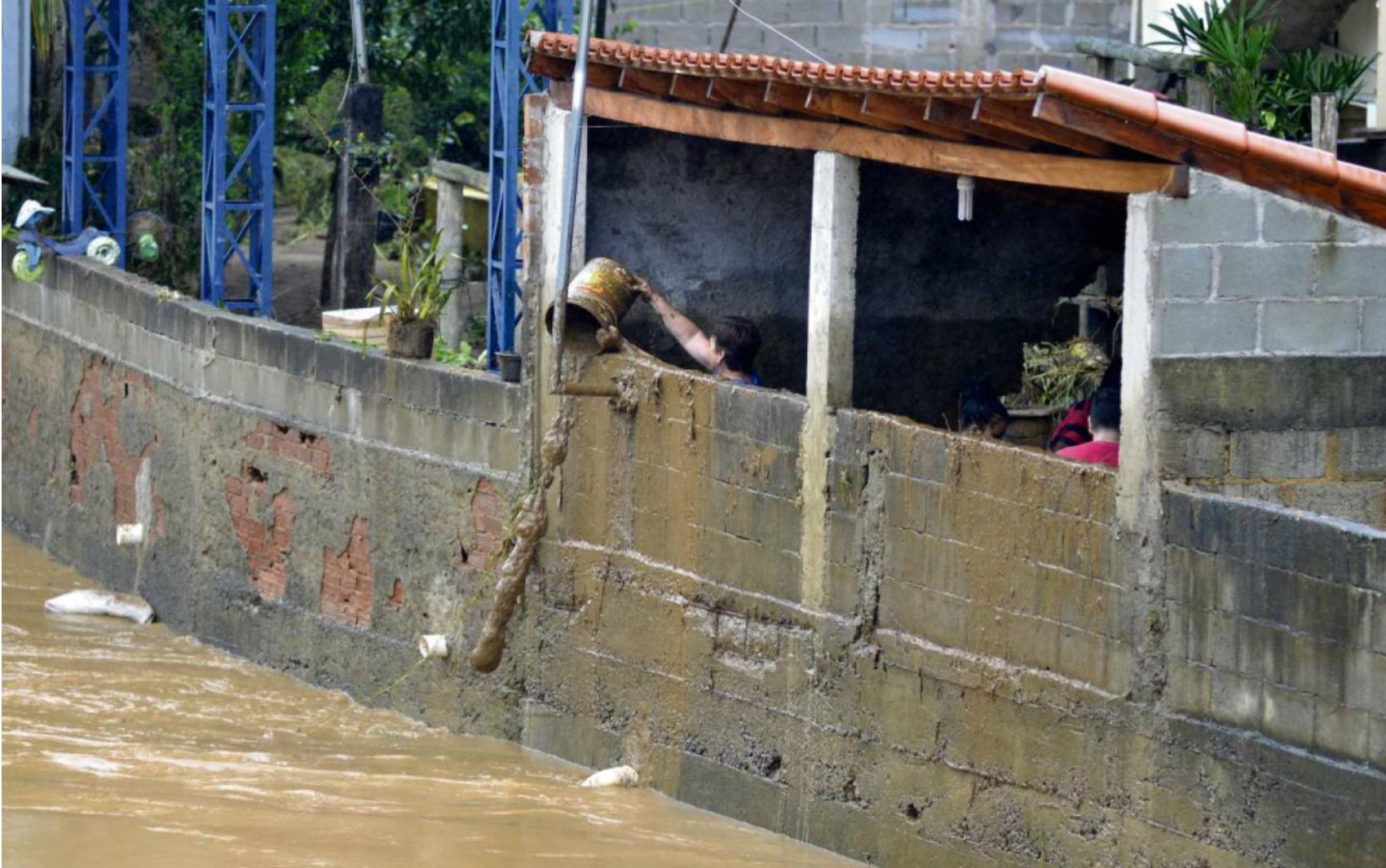 Chuva forte atinge municípios do Sul do Espírito Santo e provoca alagamentos