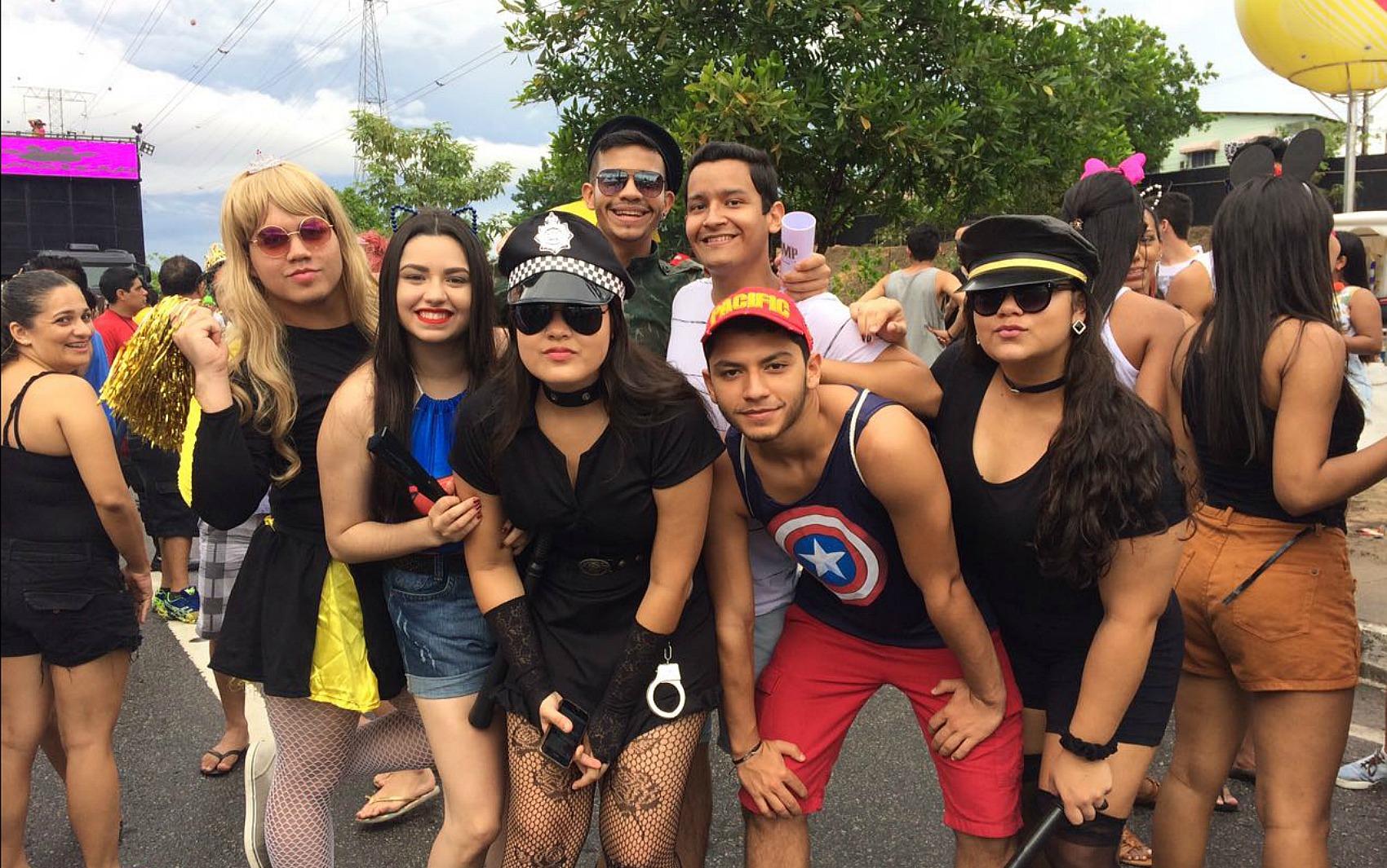 Grupo curte Galo de Manaus