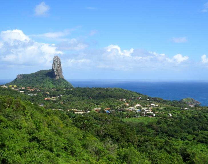Morro do Pico e Vila dos Remédios