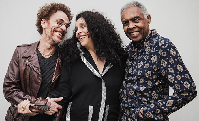 Gil compõe 'três patetas e poetas' para show com Gal e Nando
