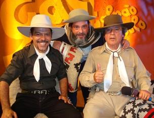 Neto e Nico Fagundes, e Luiz Marenco (Foto: Crédito Fernando Alencastro, Divulgação Galpão Crioulo/ RBS TV)