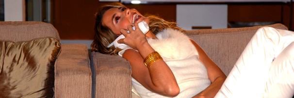 Cláudia Abreu como a malvada Laura, papel de vilã na novela Celebridade