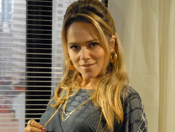 Regeane (Vivianne Pasmanter) termina noivado e deicide dar nova chance a Portinho
