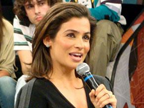 A jornalista Renata Vasconcellos no Altas Horas