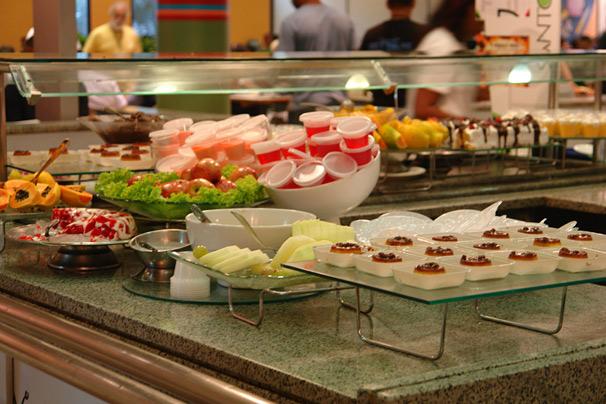 Sobremesas variadas no restaurante do Projac