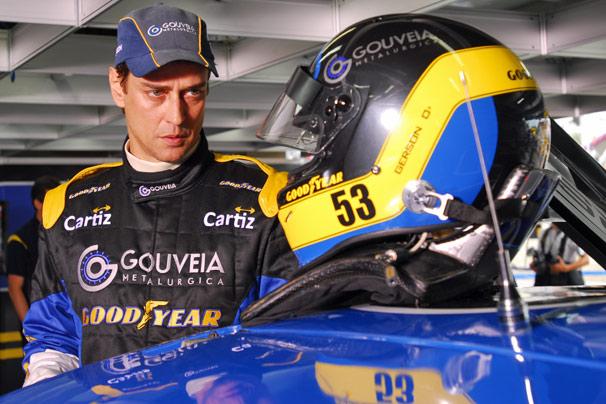 Marcello Antony e Cauã Reymond momentos antes da largada da corrida de Stock Car, em São Paulo