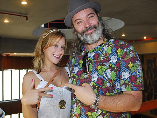 Gaulês (Jairo Mattos) e Katrina (Carol Abras)