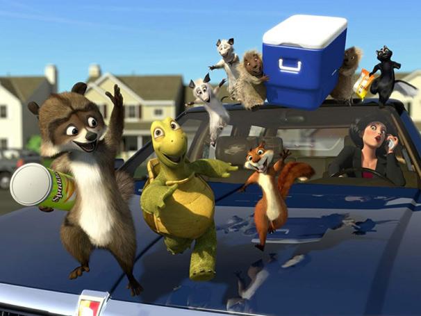 O grupo de animais, liderado por guaxinim, tenta furtar o cooler