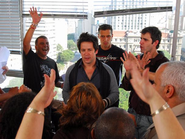 Jorge Fernando se diverte dirigindo a primeira cena gravada pelos dois