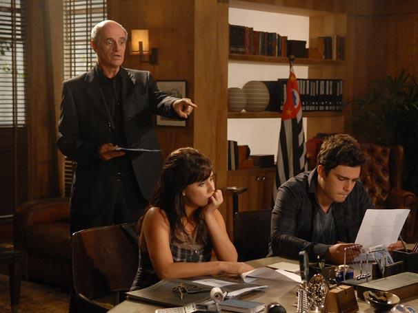 Niemann (Marcos Caruso), Nelinha (Fernanda Vasconcellos) e Zeca (Thiago Rodrigues)