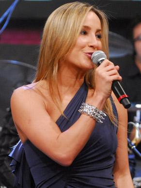 Claudia Leitte faz show