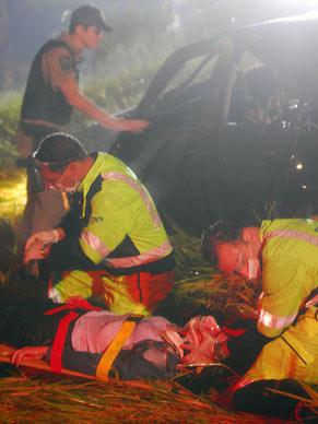 Osmar (Gustavo Leão) sofre acidente