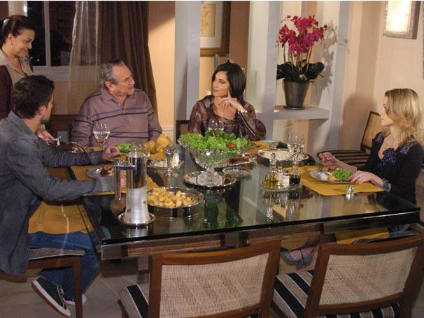 O casal e seus filhos Jorgito e Camila