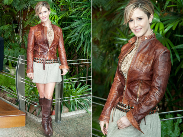 Em Ti-ti-ti, o vestido cinza  e a jaqueta de couro marrom de Luisa (Guilhermina Guinle) estão entre os mais pedidos da semana