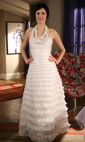 Melina com o vestido de seu quase casamento