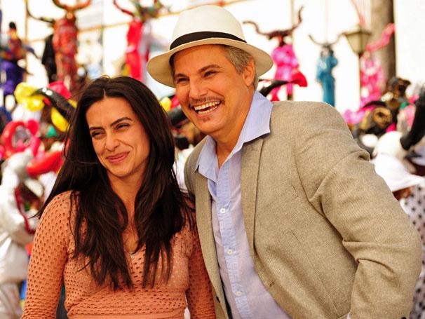 Estela (Cléo Pires) e Fernando (Edson Celulari) na Cavalhada