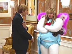 Miley (Miley Cirus) descobre que o ex-namorado e Traci estão juntos