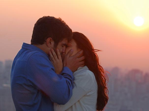 Marcela e Edgar finalmente se beijam