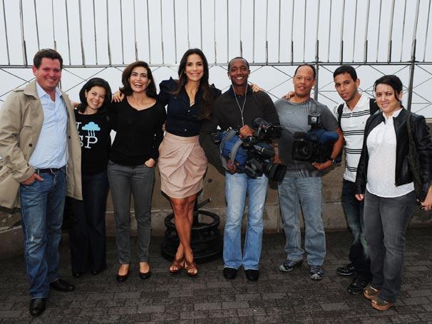 Giuliana Morrone, Ivete Sangalo e a equipe do Fantástico na cobertura do Empire State Building, em Nova Iorque