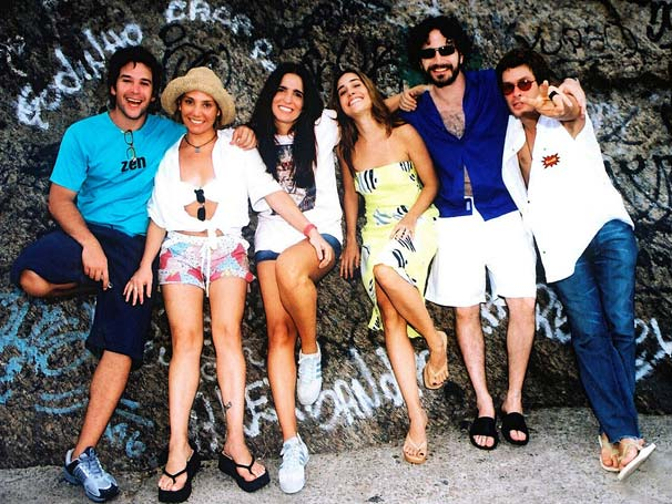 Carlos (Murilo Benício), Cláudia (Heloísa Perissé), Ana (Malu Mader), Andréa (Alessandra Negrini), Miguel (Caco Ciocler) e Tomás (Fábio Assunção)