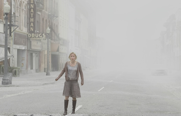 Rose se desespera ao perceber que a filha Sharon desapareceu na deserta Silent Hill