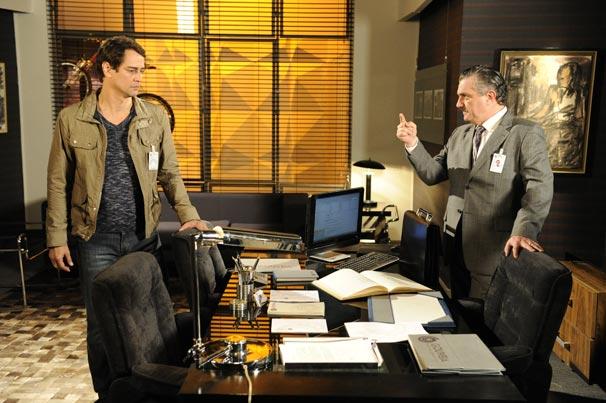 Gerson (Marcello Antony) recusa apoio a Saulo (Werner Schuneman)