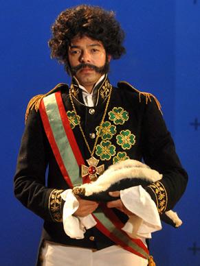 No primeiro episódio, Bruno Mazzeo vira D. Pedro I