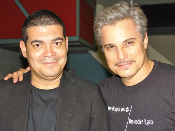 Edson Celulari ao lado do amigo e camareiro Toni