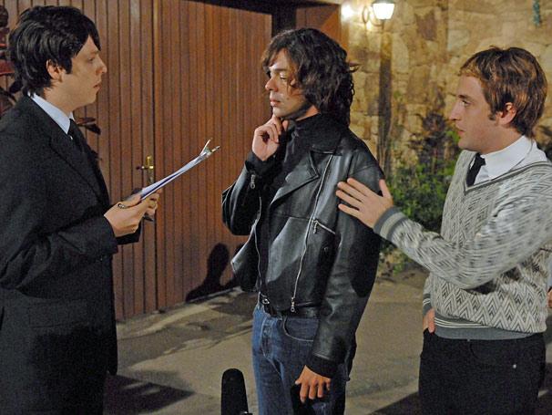 Gregorio Duvivier, Bruno Mazzeo e Fabio Porchat discutem como é entrar de penetra em evento VIP