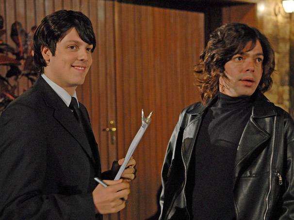 Bruno Mazzeo e Fabio Porchat interpretam convidado e segurança de uma festa