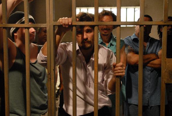 Berilo (Bruno Gagliasso) é preso