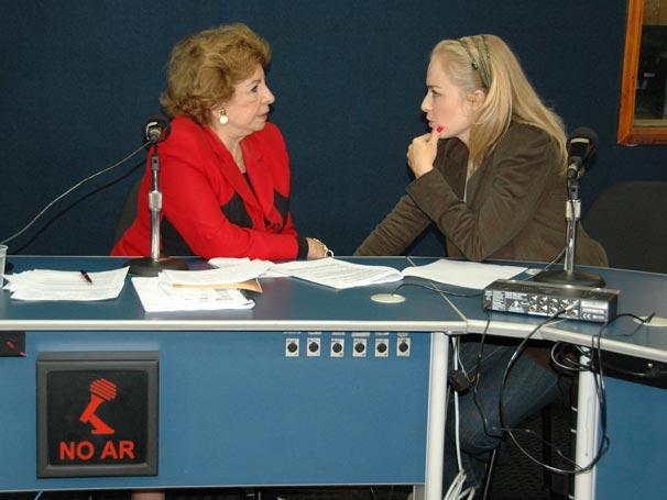 Daisy fala sobre o seu programa de rádio e a sua personagem Valentina, na novela Passione
