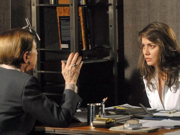 Laura se sente pressionada e acaba revelando dados importantes para Bete Gouveia