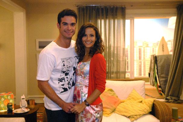 Tiago (Sidney Sampaio) e Evelin (Fernanda Freitas)