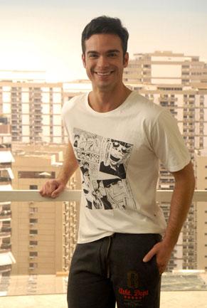 Tiago (Sidney Sampaio)