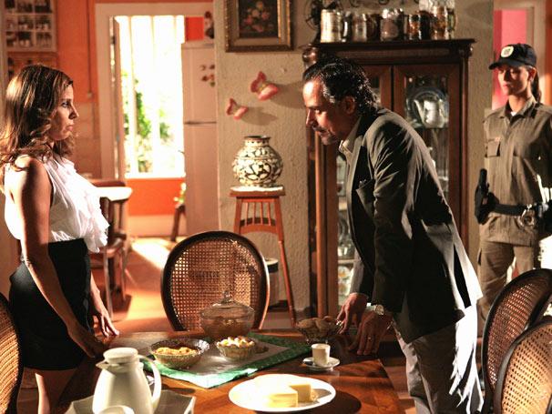 Geraldo (Ângelo Antônio) e Dora (Paula Pereira)