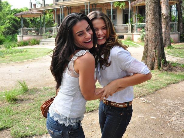 Vilã e Mocinha se divertem durante as gravações de Araguaia